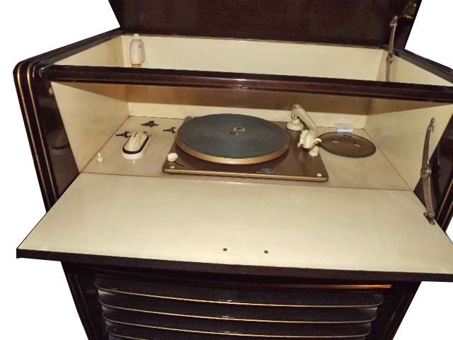 grundig: Musikschrank 8050 (D)
