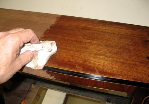 die technik der schellackpolitur polieren mit schellack. Black Bedroom Furniture Sets. Home Design Ideas