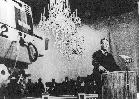 German vice chancellor Willy Brandt pushed the red start button for the PAL color TV era at Berlin international radio exhibition august 25th 1967