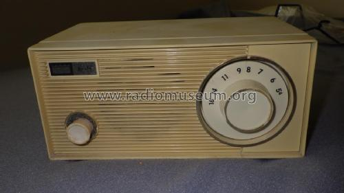 12R27 Table Radio; Arvin, brand of (ID = 2402356) Radio