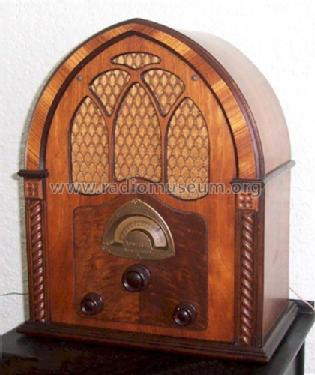 82 ; Atwater Kent Mfg. Co (ID = 242221) Radio