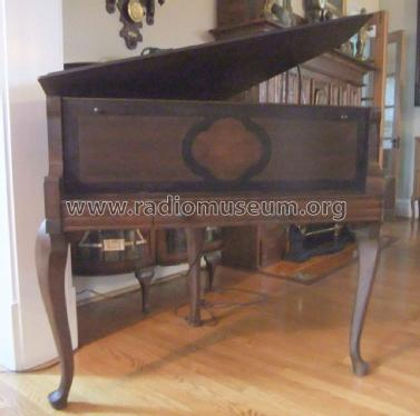 Baby Grand Piano Ch= 60C; Atwater Kent Mfg. Co (ID = 1797814) Radio