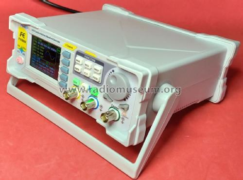 DDS Function/Arbitrary Waveform Cenerator FY6900 /20 /30 /40 /50 /60; FeelTech Tecnology (ID = 2590361) Equipment