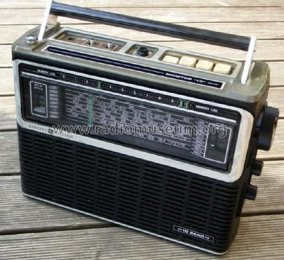 10 Band Portable Radio 7-2971 or 7-2971A; General Electric Co. (ID = 2123596) Radio