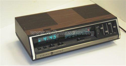 stereo clock radio 7 4695a radio general electric co rh radiomuseum org ge clock radio manual model70841a ge clock radio manual 7-4837c
