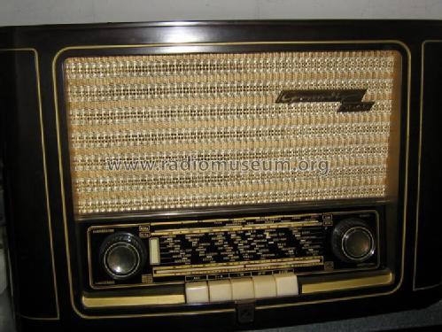 https://www.radiomuseum.org/images/radio/grundig/1040w_450731.jpg