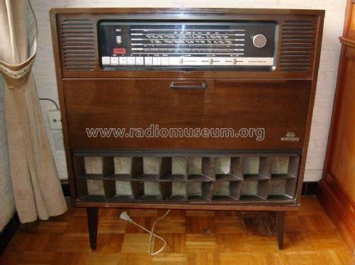 https://www.radiomuseum.org/images/radio/grundig/como_7s_audioprisma_ch_rc400_969911.jpg