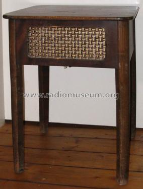 spezial fernsehtisch fs tisch misc grundig radio vertrieb r. Black Bedroom Furniture Sets. Home Design Ideas