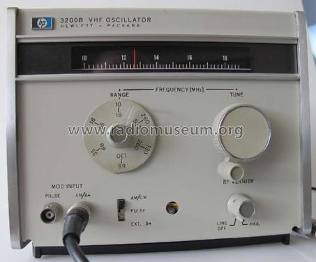VHF Oscillator 3200B; Hewlett-Packard, HP; (ID = 757333) Equipment