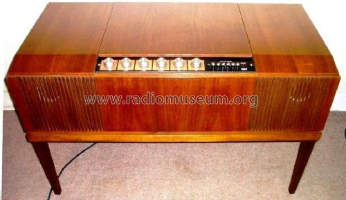 Stereomaster Radiogram 2402; His Master's Voice (ID = 2352374) Radio