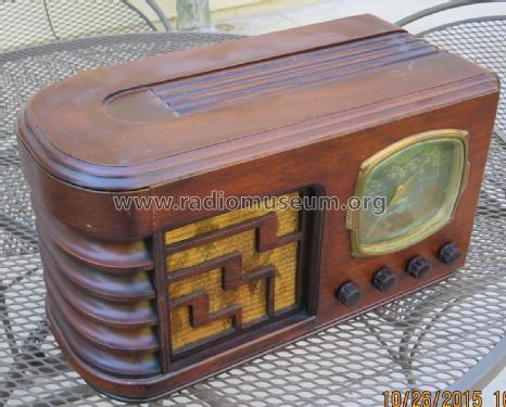 Tiffany Tone 97; Horn Radio Mfg. Co. (ID = 1902466) Radio