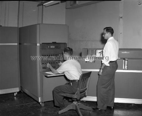 Magnetic Drum Data Computer & periphery IBM