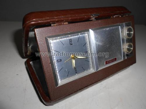 Travel Clock & Radio ; International (ID = 2322943) Radio