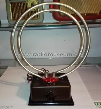 Universel-Alternatif ; Itax-Radio, R. (ID = 2347641) Antenna