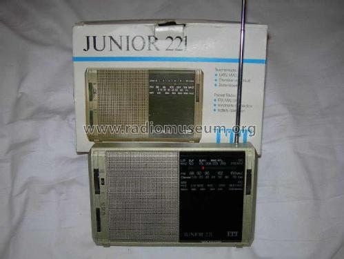 Junior 221 55136005; ITT-KB; Foots Cray, (ID = 178811) Radio