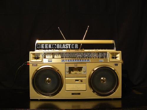 Stereo Radio Cassette Recorder RC-M70L ; JVC - Victor Company (ID = 902380) Radio