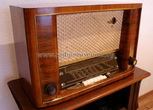 super lux ukw a 5271 radio lorenz berlin zuffenhausen u a. Black Bedroom Furniture Sets. Home Design Ideas