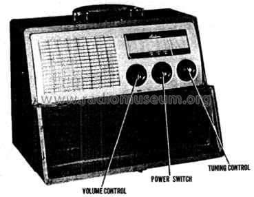 64WG-1052A ; Montgomery Ward & Co (ID = 472598) Radio
