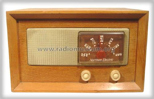 Baby Champ 5300; Northern Electric Co (ID = 491479) Radio