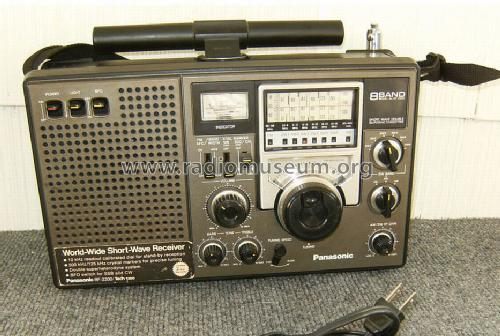 Panasonic 8-Band Short Wave Double Superheterodyne Radio Pan