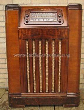47 1227FM Radio Phonograph Radio Philco Philadelphia