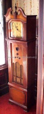 570 Grandfather Clock Radio; Philco, Philadelphia (ID = 267198) Radio
