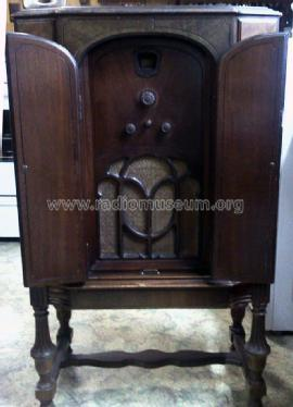 90 Highboy; Philco, Philadelphia (ID = 1330019) Radio