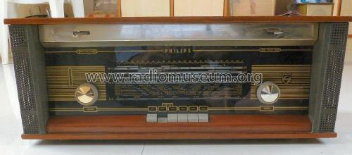 15RB697; Philips; Calcutta (ID = 2302957) Radio