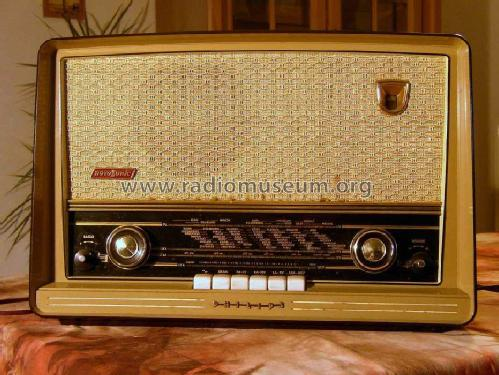 Novosonic B4SF72A; Philips Finland - (ID = 211281) Radio