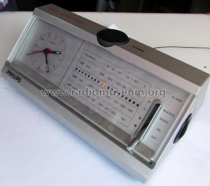 Music Alarm Clock HR 5588 /00; Philips France; (ID = 2244289) Radio