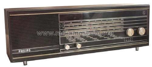 22RB382; Philips Italy; (ID = 2523198) Radio