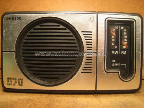 Radio AM/FM 070 90AL070 /01R; Philips Hong Kong (ID = 1954121) Radio