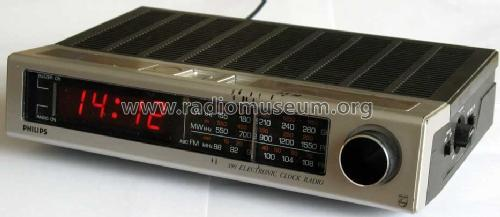 390 Electronic Clock Radio 90AS390; Philips Radios - (ID = 1045438) Radio