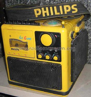 Le Cube D-8080/02 Radio Philips, Singapore