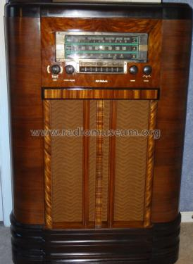 K80 Ch= RC-415C With Loop Antenna Radio RCA RCA Victor Co.
