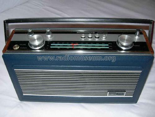 R900; Roberts Radio Co.Ltd (ID = 176052) Radio