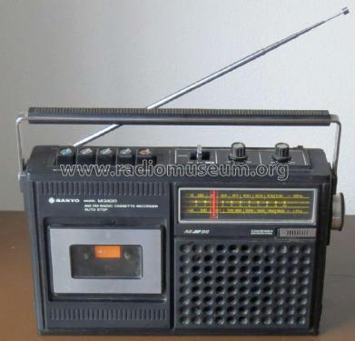 AM FM Radio Cassette Recorder M2420FZ; Sanyo Electric Co. (ID = 2064598) Radio
