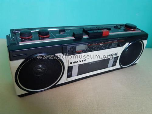 Stereo Radio Cassette Recorder M-S350LE; Sanyo Electric Co. (ID = 2430534) Radio