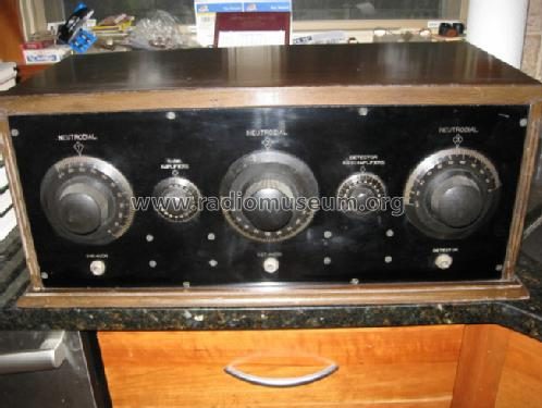 Silvertone Neutrodyne King manuf.; Sears, Roebuck & Co. (ID = 861301) Radio