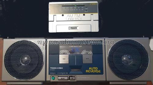 Walkman cassette player Boombox & Radio RT-CS1; Toshiba Corporation; (ID = 2590725) Radio