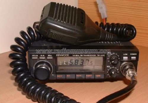 TM-221E; Trio-Kenwood (ID = 435405) Amateur
