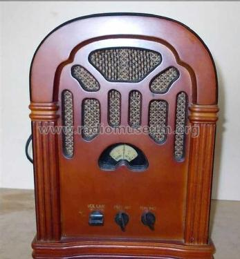 AM-FM Cathedral Radio ML-268A; Unknown - CUSTOM (ID = 1989986) Radio