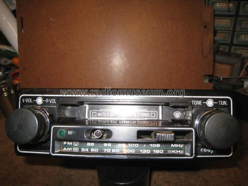 Cooper Auto-eject Cassette Stereo ; Unknown Worldwide (ID = 2037027) Car Radio