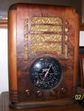 radio zenith 102 5