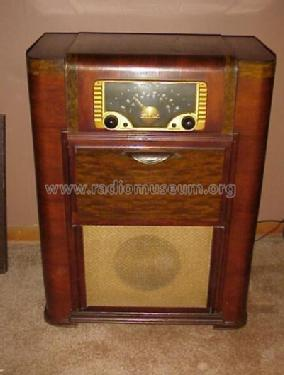 6R087 Ch= 6C22 Lime-Walnut Radio Zenith Radio Corp