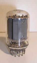 U.S.A   Magnoval   12 pin Poids : 21 grammes Hauteur : 5.4 cm (avec pin) Diamètre : 2.9 cm