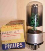 Philips    Octal   7 pin Poids : 33 grammes Hauteur : 8.5 cm Diamètre : 2.9 cm