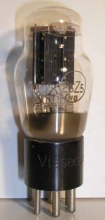 Visseaux Culot ancien Américain  6 pin Poids : 35 grammes Hauteur : 9.8 cm (avec pin) Diamètre : 3.8 cm