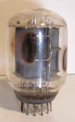 U.S.A  Magnoval   12 pin Diode-Pentode Poids : 36 grammes Hauteur : 6.7 cm (avec pin) Diamètre : 3.9 cm