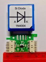 Die Siliziumdiode 1N4004 auf der Platine des Steckelementes von Brick'R'kmowledge